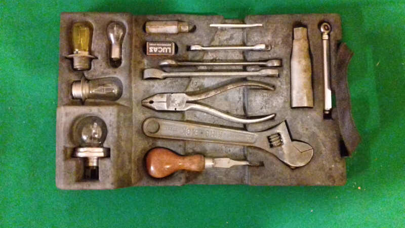 ROLLS - ROYCE SILVER CLOUD 1 TOOLKIT IN ORIGINAL TRAY - Click Image to Close